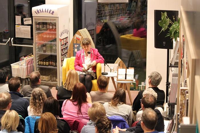 Lesung Donaustädter Autorinnen Beate Maly und Silvia Hlavin in der Seeseiten Buchhandlung am 24.2.2017